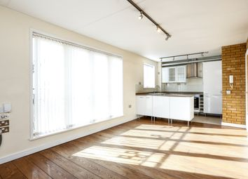 Thumbnail 1 bed flat to rent in Ridgway, London
