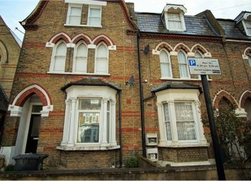 Thumbnail 1 bed flat to rent in Ducie Street, Clapham North