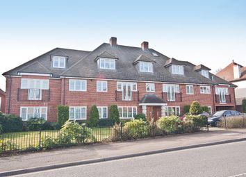 Kingsend, Ruislip, Middlesex HA4. 2 bed flat
