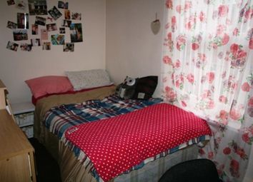 Thumbnail 6 bed terraced house to rent in Beamsley Terrace, Hyde Park, Six Bed, Leeds