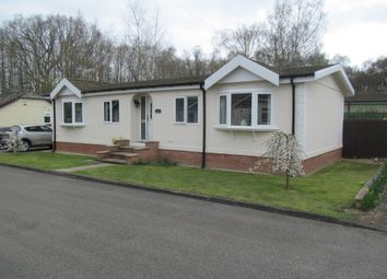 Thumbnail 2 bed mobile/park home for sale in Oaklands Park, Woodhall Spa, Lincolnshire