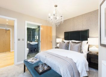 Thumbnail 2 bed duplex for sale in Turnberry Quay, Canary Wharf, London