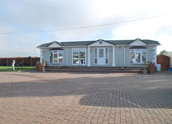 Thumbnail 2 bed mobile/park home for sale in Ratcliffe Highway, Hoo, Rochester