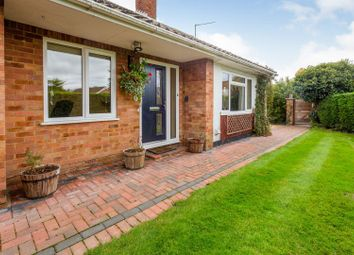 Sun Crescent, Oakley, Aylesbury HP18. 3 bed bungalow for sale