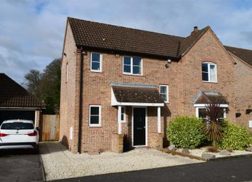 Thumbnail 4 bed detached house for sale in Yates Copse, Newbury