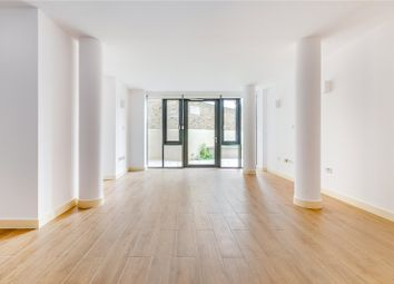 2 bed flat to rent in St. Georges Apartments, 368 High Street, Brentford TW8