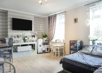 Thumbnail 3 bed maisonette for sale in Springfield Avenue, Brentwood