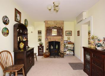 Thumbnail 3 bed cottage for sale in Town Road, Cliffe Woods, Rochester, Kent