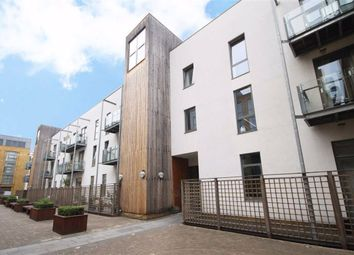 Thumbnail 1 bed flat to rent in Alexandra Avenue, London