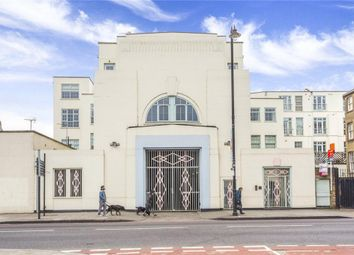 Thumbnail 2 bed flat to rent in Urswick Road, London