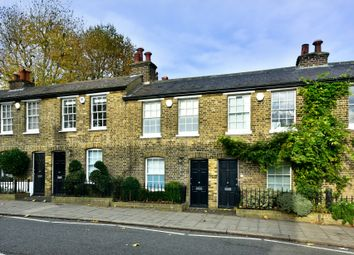 Thumbnail 2 bedroom cottage to rent in Castle Yard, London