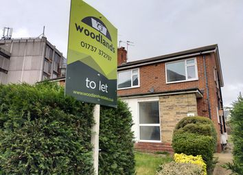 2 bed maisonette to rent in Clarendon Road, Redhill RH1
