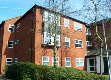 2 bed flat to rent in Lime Tree Place, St.Albans AL1