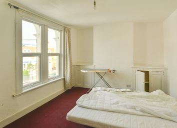 Thumbnail 1 bed flat to rent in Dunlace Road, London