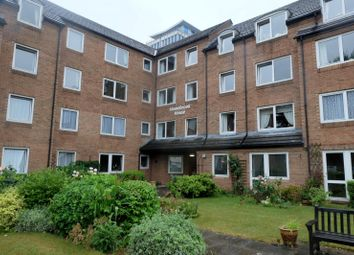 Thumbnail 1 bed flat to rent in Homebrook House, Cardington Road, Bedford