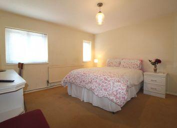 Room to rent in Hollybush Lane, Hemel Hempstead HP1