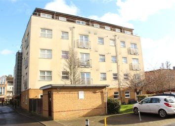 Thumbnail 2 bed flat to rent in Sydenham Road, Croydon, Surrey