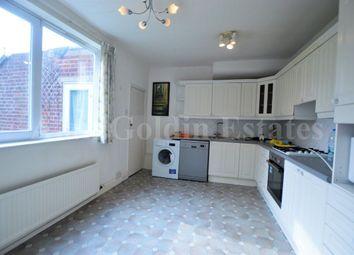 Thumbnail 2 bed flat to rent in Hendon Lane, London