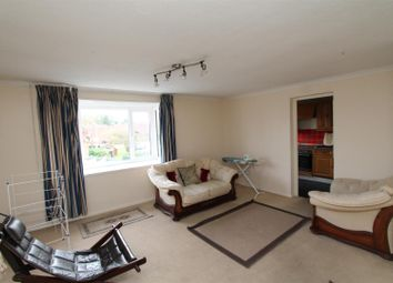 Thumbnail 2 bedroom flat for sale in The Paddock, Hatfield