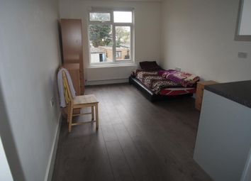 Thumbnail Studio to rent in 193 Nags Head Road, Ponders End, Enfield