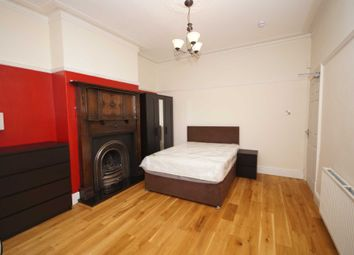 Thumbnail Room to rent in Room 1, Somerset Road, Heaton