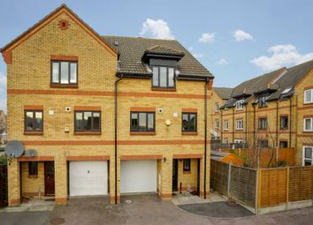 Thumbnail 4 bed property for sale in Veysey Close, Hemel Hempstead