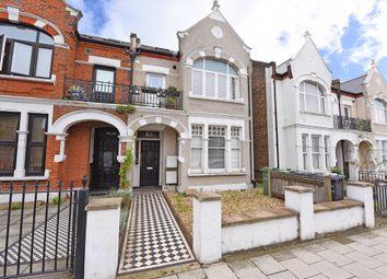 Thumbnail 3 bedroom flat for sale in Gleneldon Road, London