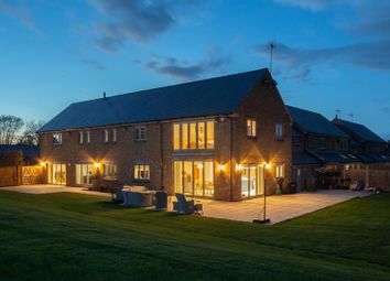 Thumbnail 5 bed mews house for sale in Manor Farm Close, Edlesborough, Buckinghamshire