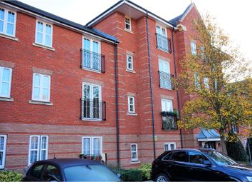 Thumbnail 2 bed flat for sale in Shillingford Close, London