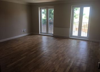 Thumbnail 3 bed flat to rent in Slough, Slough