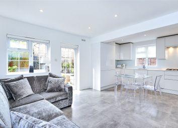 Thumbnail 2 bedroom flat for sale in Totteridge Lane, Totteridge