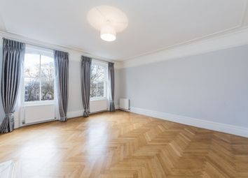 Thumbnail 5 bed flat to rent in Courtfield Gardens, South Kensington