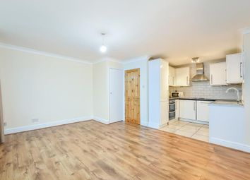 Thumbnail 4 bed flat to rent in Courthill Road, London