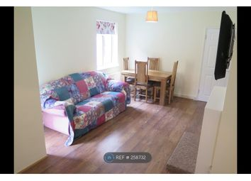 Thumbnail 2 bedroom flat to rent in Grove Mead, Hatfield