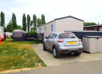 Thumbnail 3 bed mobile/park home for sale in Mallard Pastures, Billing Aquadrome, Northampton