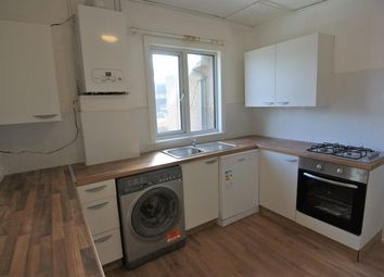 2 bed maisonette to rent in Gresham Road, Staines-Upon-Thames TW18