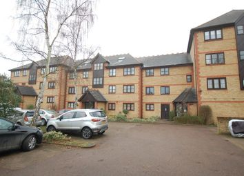 Thumbnail 1 bed flat to rent in College Close, Grays