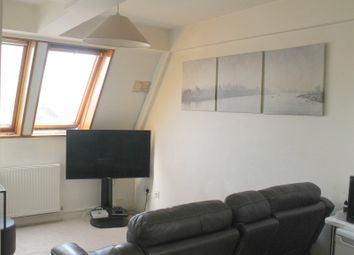 Thumbnail 1 bedroom flat to rent in Buckingham House, 10 Station Road, Gerrards Cross, Buckinghamshire