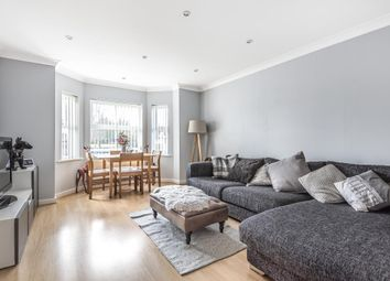2 bed flat for sale in Crowthorne, Berkshire RG45