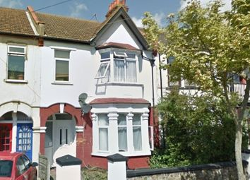 Thumbnail 2 bedroom flat to rent in Brightwell Avenue, Westcliff-On-Sea