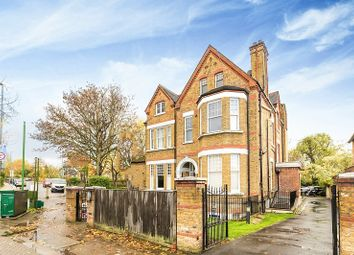 Thumbnail 3 bed flat to rent in Dryburgh Road, Putney