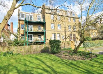 Thumbnail 1 bed flat to rent in Oakhill Road, Putney, London