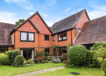 Thumbnail 2 bedroom flat for sale in Henley On Thames, Oxfordshire