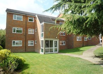 Thumbnail 2 bed flat to rent in Cranmore Court, Avenue Road, St. Albans