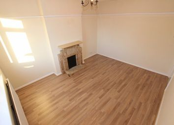Thumbnail 3 bedroom flat to rent in Basingstoke Road, Reading