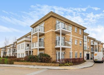 2 bed flat to rent in Sunbury-On-Thames, Surrey TW16