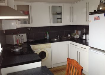 Thumbnail 3 bed flat to rent in Bromley High Street, Bow