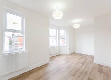 3 bed flat to rent in Headstone Road, Harrow HA1