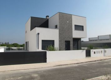 Thumbnail 4 bed villa for sale in 2500 Tornada, Portugal