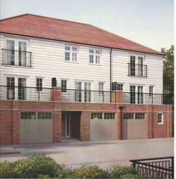Thumbnail 4 bedroom town house to rent in Lakeside Avenue, Faversham